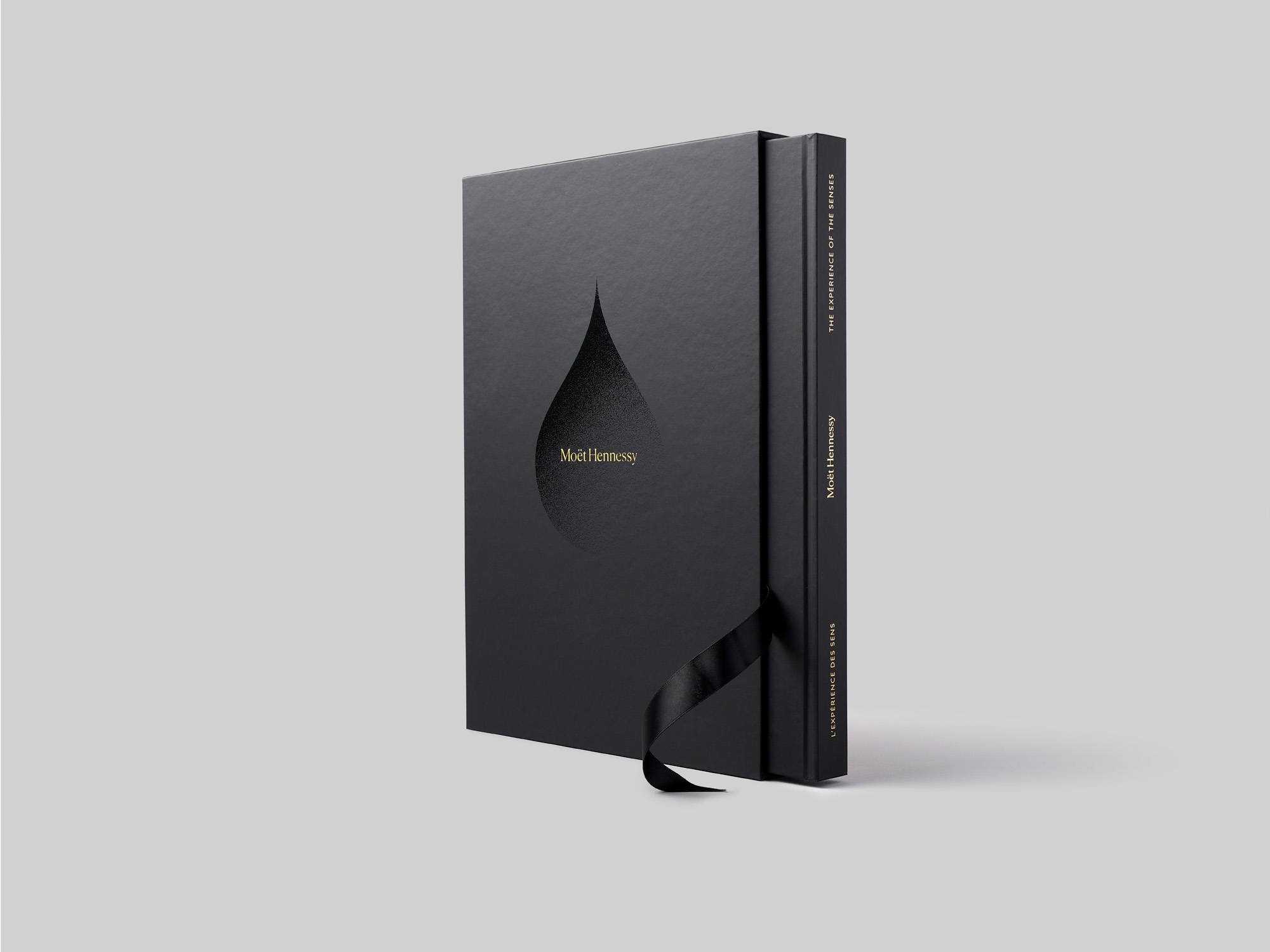 MOËT HENNESSYLimited Edition Book
